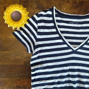 J.Crew Vintage Cotton Navy and White V-neck, Small